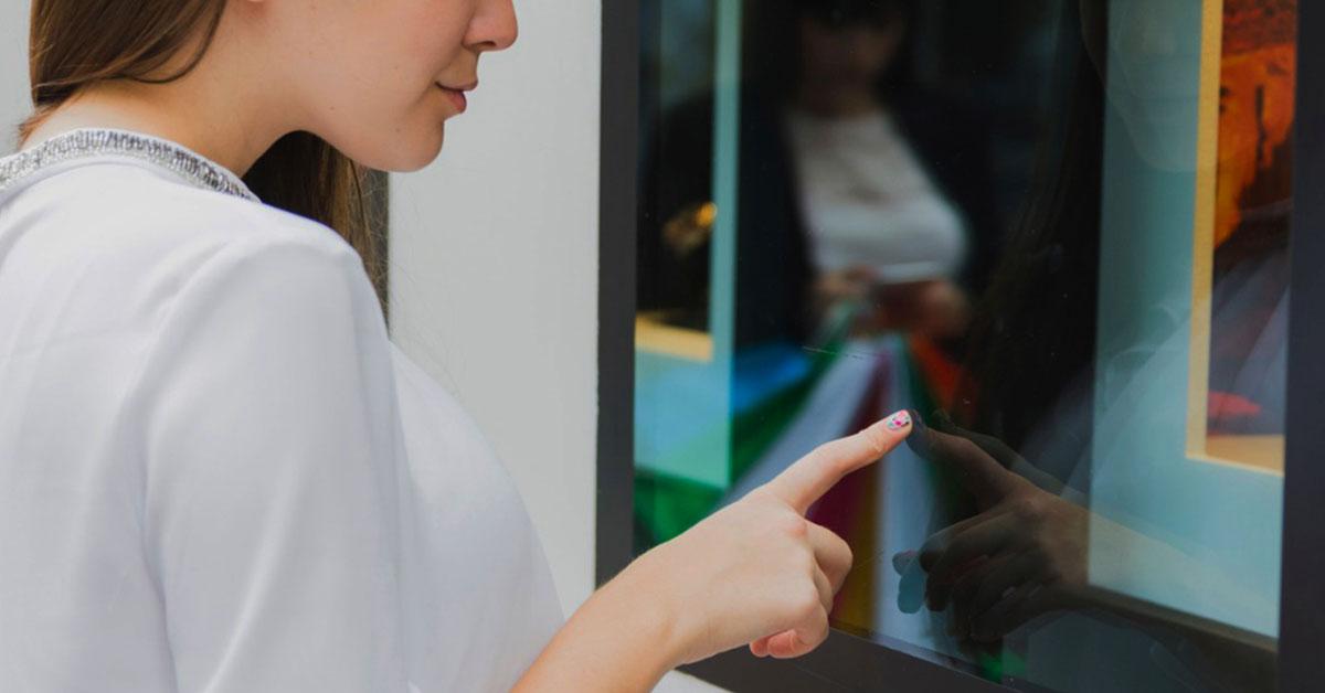 pantallas tactiles o interactivas en el punto de venta